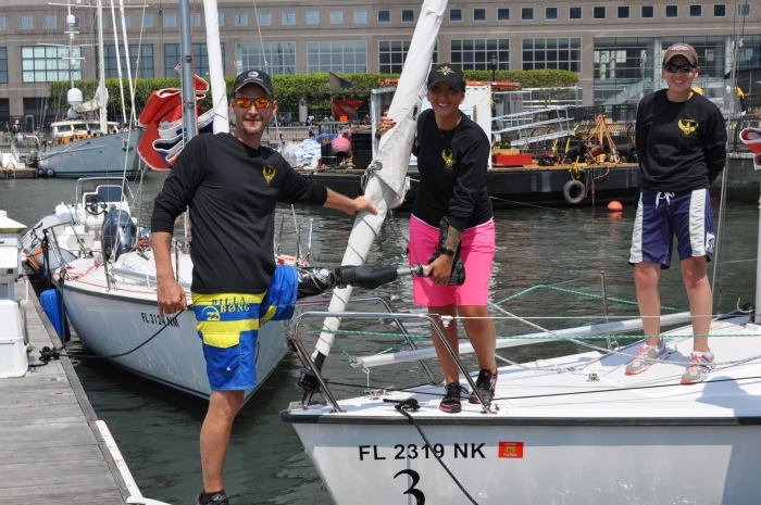 Wounded-Veterans-at-Offshore-Sailing-School-Crew2-700x465